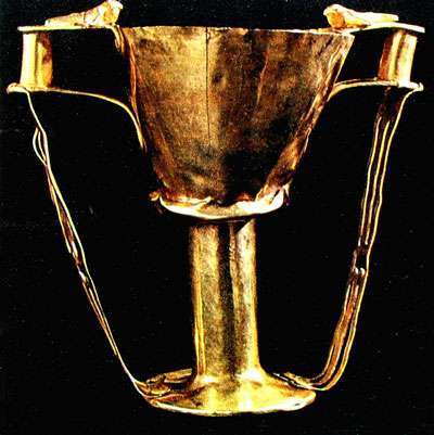Mycènes. The Nestor cup, Musée national d'archéologie, Athènes.