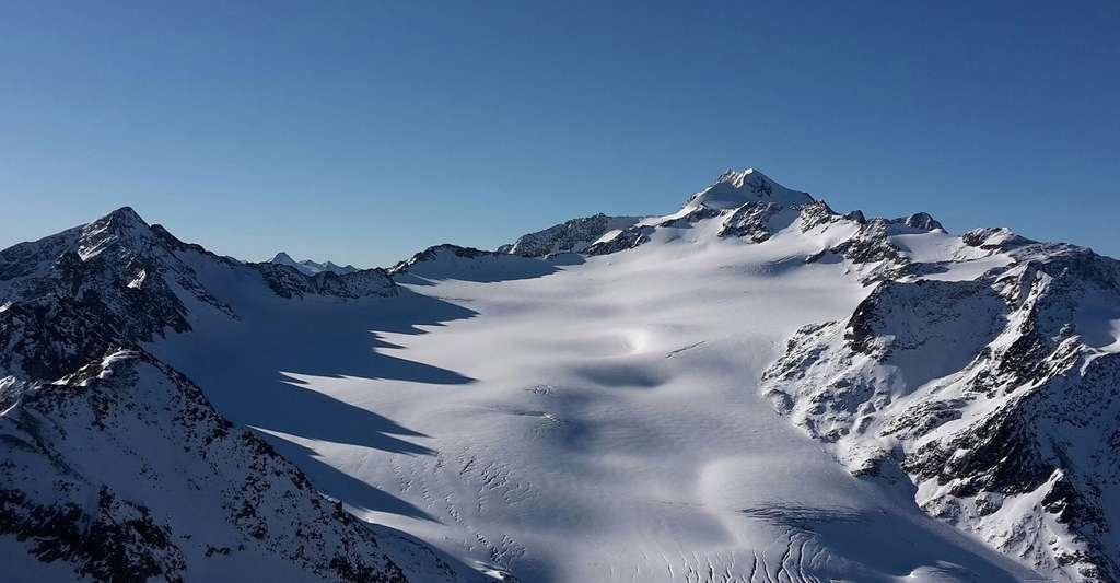 Les risques d'avalanche sont nombreux en montagne. © Cocoparisienne, CCO