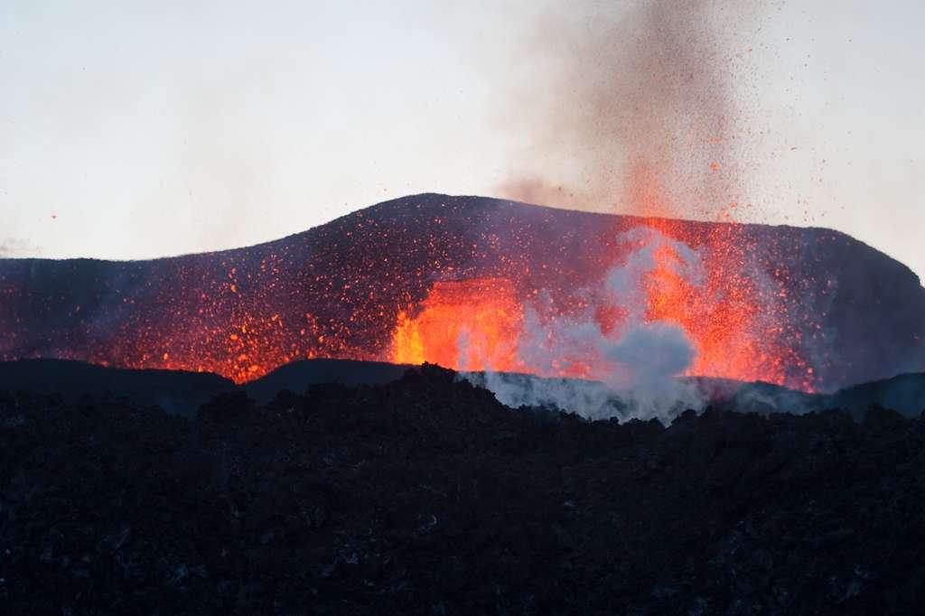 Eruption en islande-Fimmvorduhals-2010-03-26-01