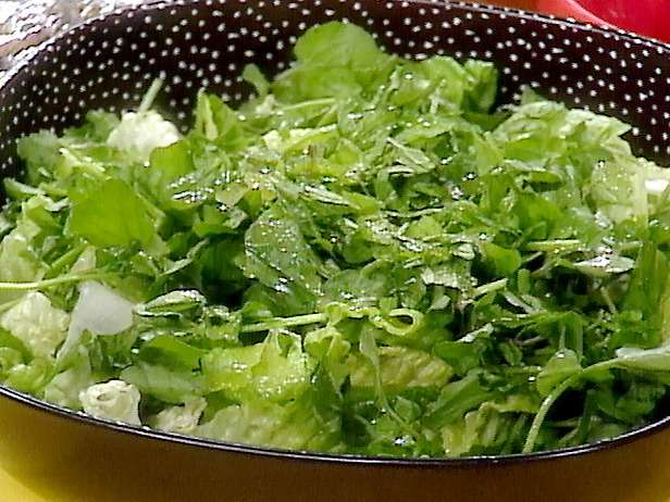 Une salade de cresson pourrait être recommandée pour réduire le développement des tumeurs. © www.foodnetwork.com