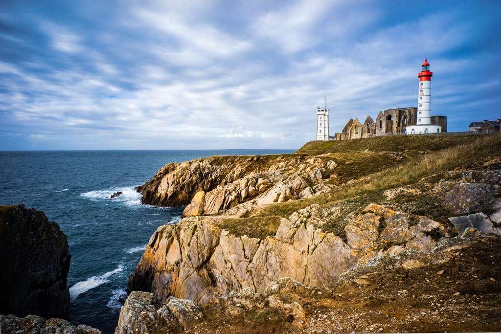 La pointe de Saint-Mathieu se niche dans le Finistère. © JM Soedher, Adobe Stock