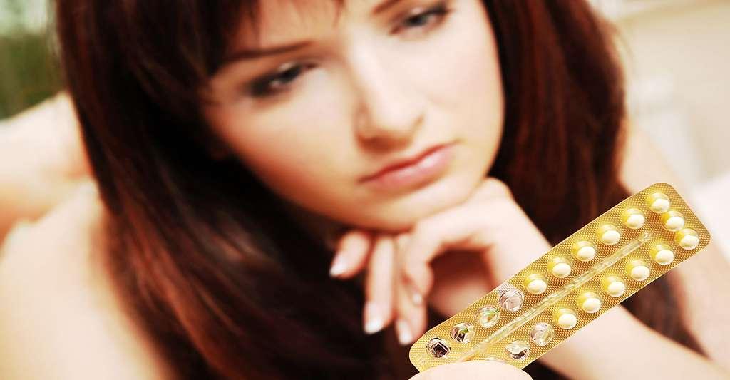 Certaines pilules contraceptives réduisent l'acné. © Katielittle, Shutterstock