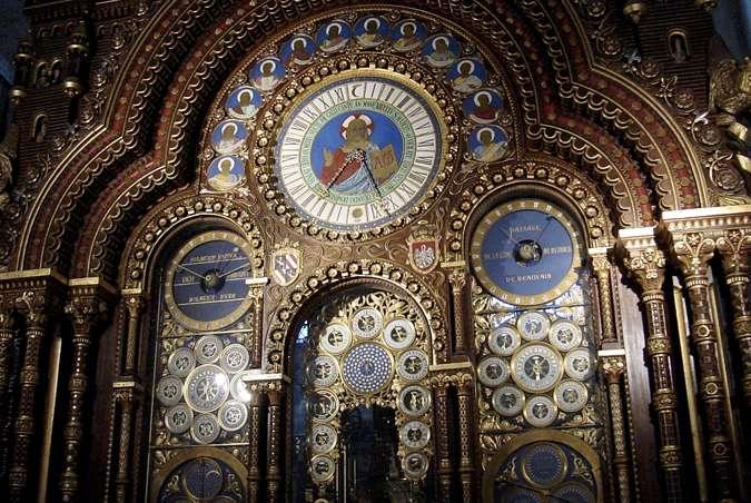 Le tourisme dans l'Oise permet de découvrir son patrimoine varié. Le département possède des trésors architecturaux, comme la cathédrale de Beauvais, qui abrite une horloge astronomique (à l'image). © Omar Omar, CC by sa 2.0