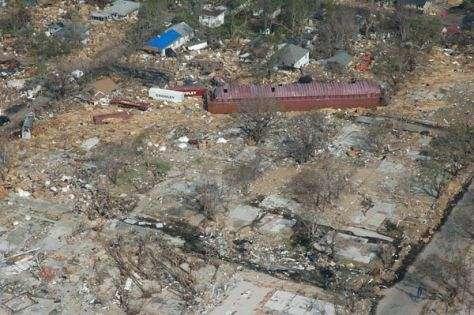 Les dégâts engendrés par le passage de Katrina sont considérables Un an après, les plaies dans le paysage et les esprits restent vivaces (Crédits : FEMA)