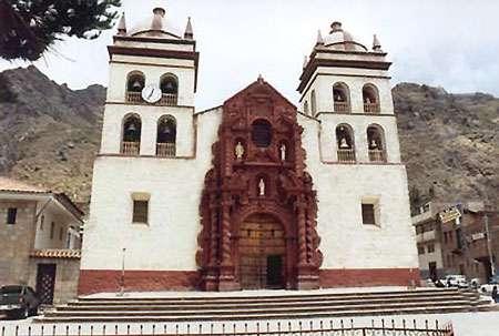 Église à Huancavelica, au Pérou. © DR