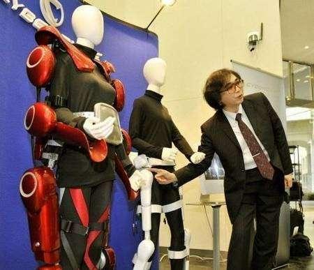 HAL-5B, présenté par Yoshiyuki Sankai. Crédit Cyberdyne