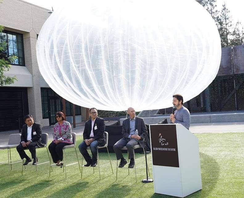 Sergey Brin, cofondateur de Google, a fait le déplacement en Indonésie pour annoncer le lancement du programme Loon début 2016. © Google