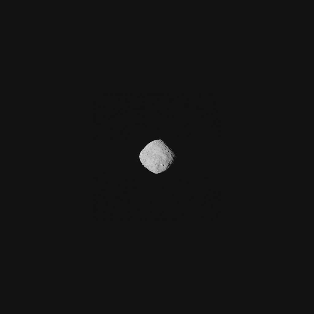 L'astéroïde Bennu photographié par la sonde OSIRIS-REx le 29 octobre 2018 quand la sonde se trouvait à 330 kilomètres de l'astéroïde. © Nasa, Goddard, Université d'Arizona