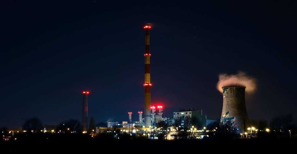 Les polluants peuvent se distiller dans l'atmosphère. © Tookapic, CC0 Domaine public