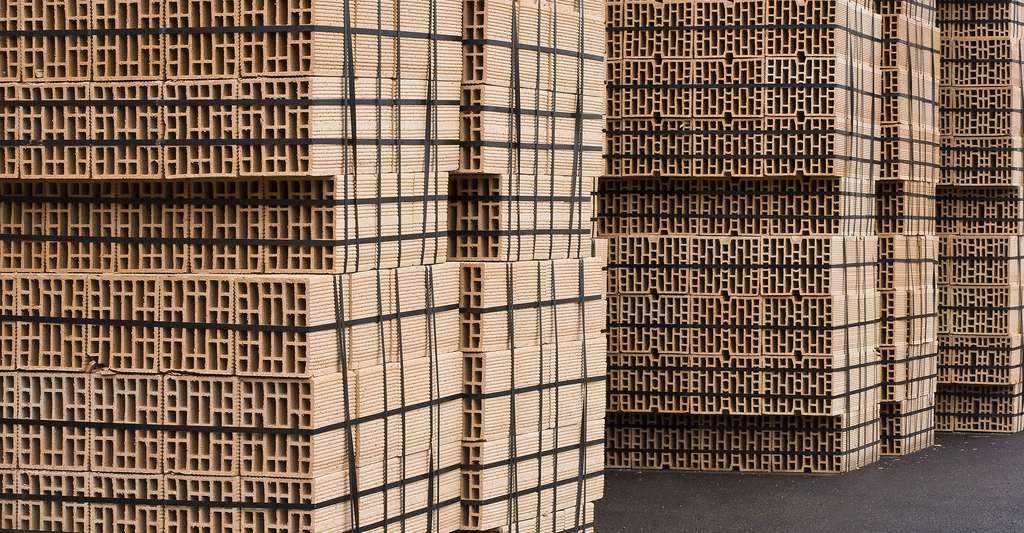 Les briques de carton peuvent être de bons isolants. © Anistidesign, Shutterstock