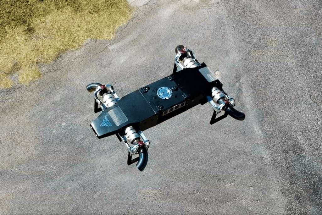 Le drone JetQuad AB5 capable de pointe de vitesse à 400 km/h. © FusionFlight