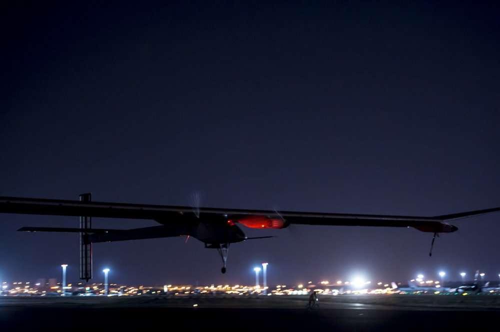 Le HB-SIA décolle de l'aéroport de Madrid-Bajaras le 5 juin 2012, à 5 h 24 locales. © Solar Impulse / Jean Revillard