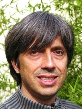 Alain Blanchard est un célèbre cosmologiste français. Membre de l'Institut universitaire de France, il est aussi professeur à l'université Paul Sabatier. Ses travaux concernent les amas de galaxies, le rayonnement fossile et la formation des structures en cosmologie. © IUF