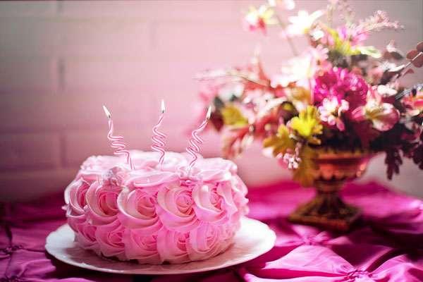 Quelle est la date d'anniversaire de Caroline ? © Jill 111, Pixabay, DP