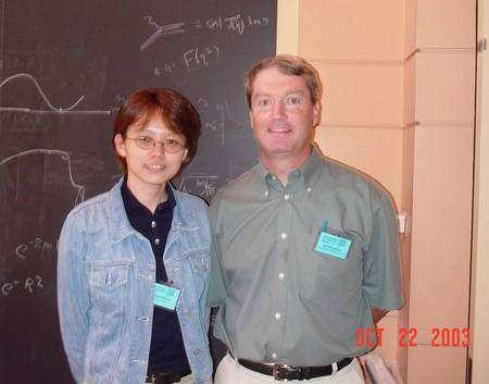 Joseph Polchinski, le découvreur de la théorie des Dp-branes en théorie des cordes et Sugumi Kanno une physicienne Japonaise lors d'un colloque (Crédit Sugumi Kanno).