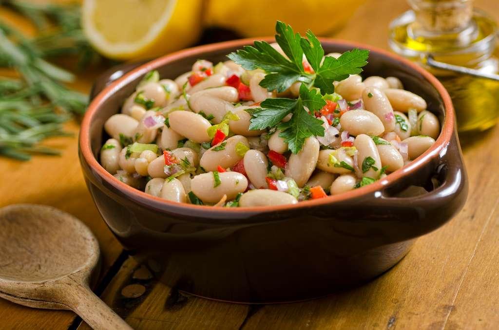 Les légumineuses constituent une excellente source de protéines et de glucides lents. © fudio, Adobe Stock