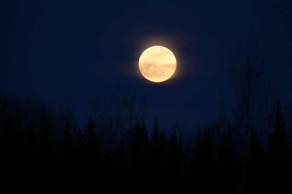 La super Pleine Lune du 6 mai 2012. © Caterman7