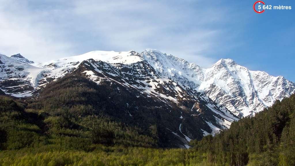 L'Elbrouz, le géant du Caucase