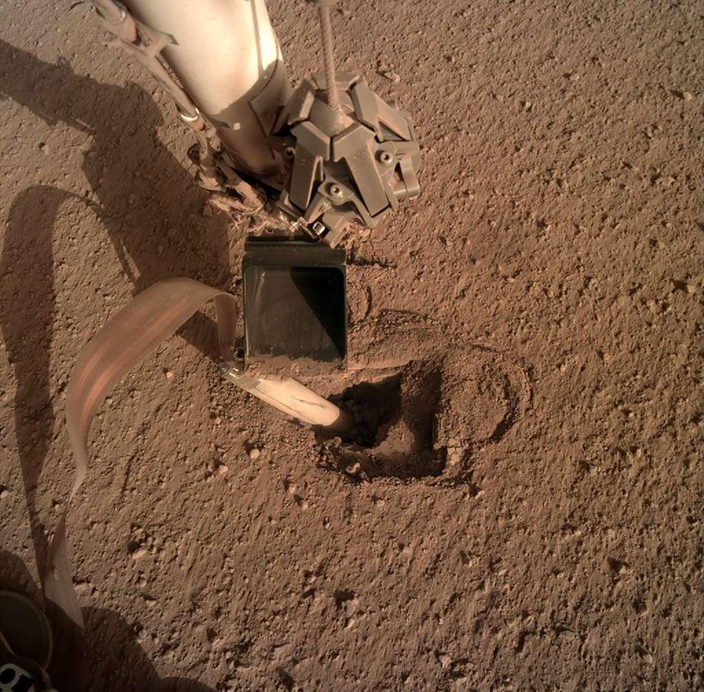 Manoeuvre de la dernière chance pour l'instrument HP3 d'InSight. © Nasa, JPL-Caltech