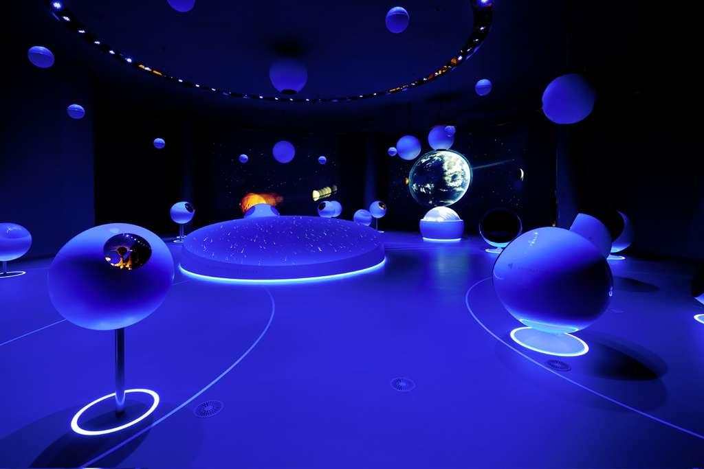 Vue de l'exposition permanente « Univers de particules » dans le Globe de la science et de l'innovation, au Cern. © Michael Jungblut, Cern