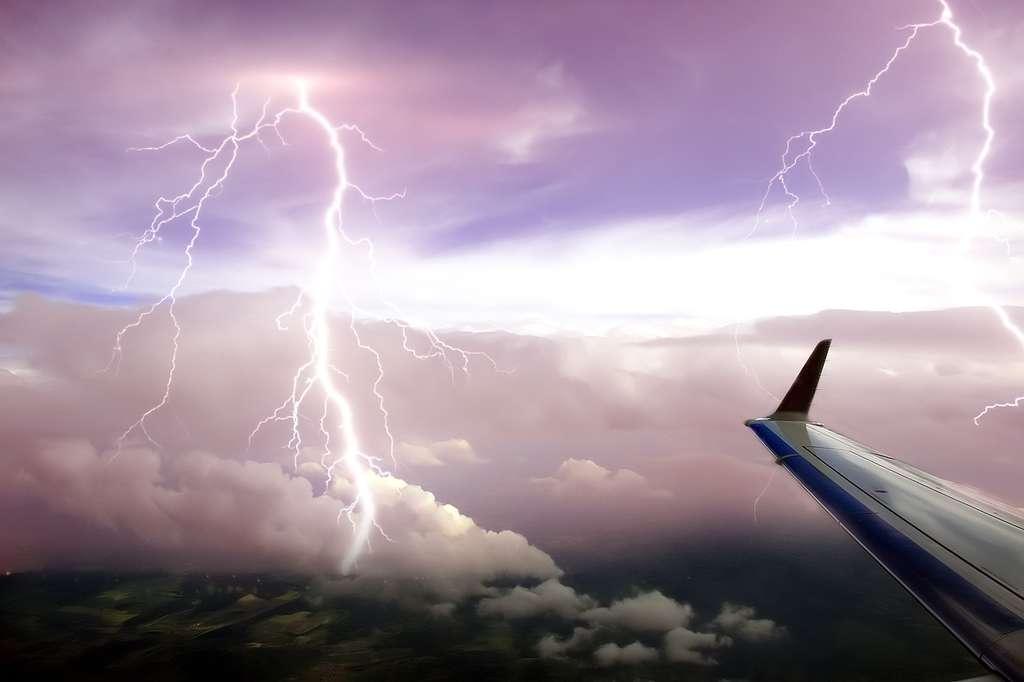 Le vol par temps orageux peut générer des turbulences anxiogènes à bord des avions. © Grzegorz Jereczek, cc by nc 2.0
