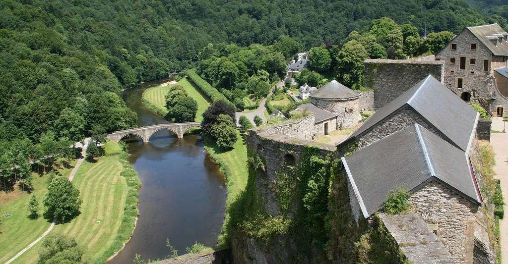 Le château-fort de Bouillon (Xe–XVIe siècles). © Jean-Pol Grandmont, Wikimedia, CC by-sa 3.0