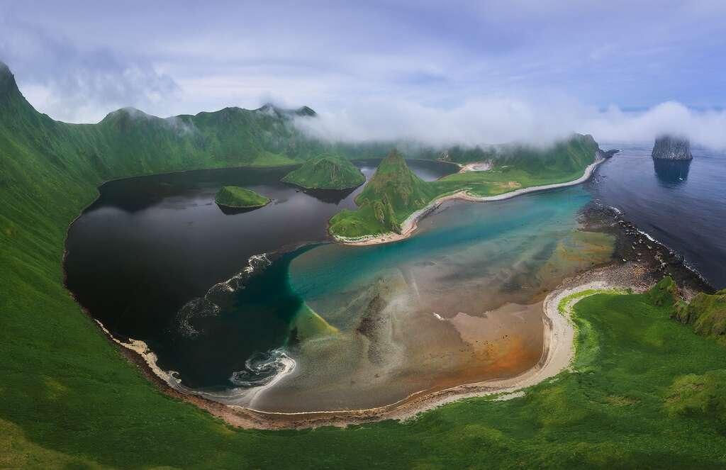 Les îles Kouriles, un archipel volcanique