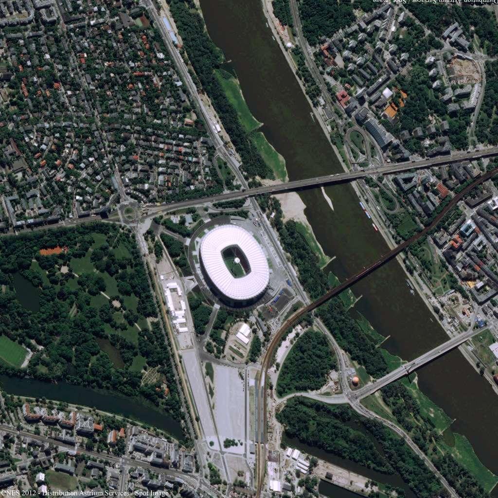 Le nouveau Stade national de Varsovie, où le match d'ouverture de l'Euro 2012 sera joué le 8 juin. © Cnes 2012/Astrium Services/Spot Images