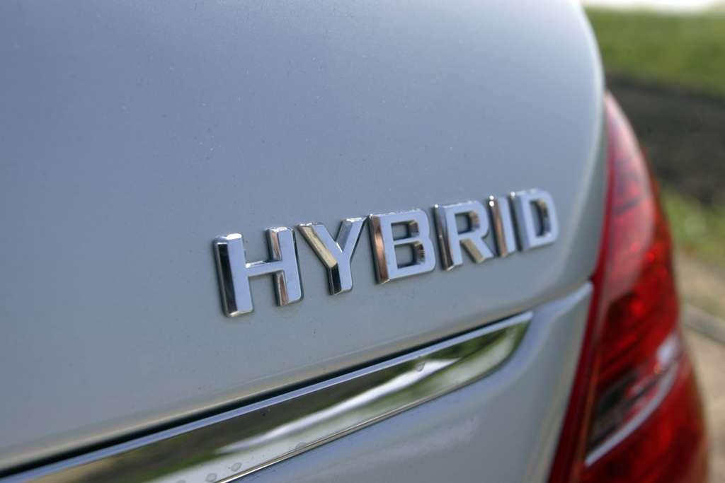 Les véhicules hybrides et hybrides rechargeables séduisent de plus en plus. © Boca, Adobe Stock