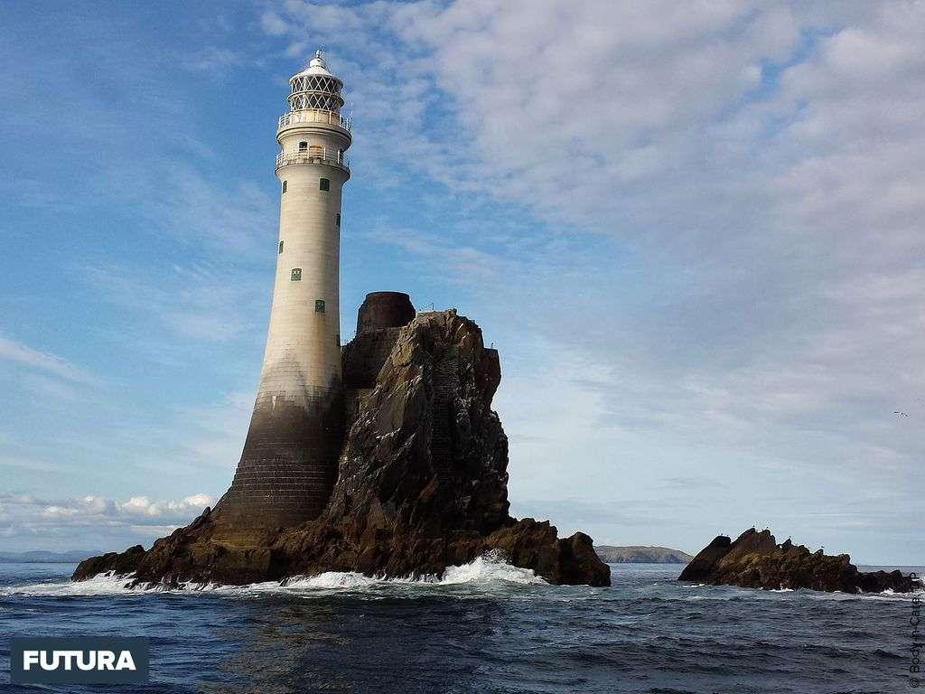 Irlande le phare de Fastnet : sa première lumière a été émise le 1er janvier 1854