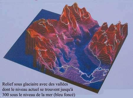 En haut, relief sous-glaciaire. En bas, état des lacs périglaciaires en 1980. © DR
