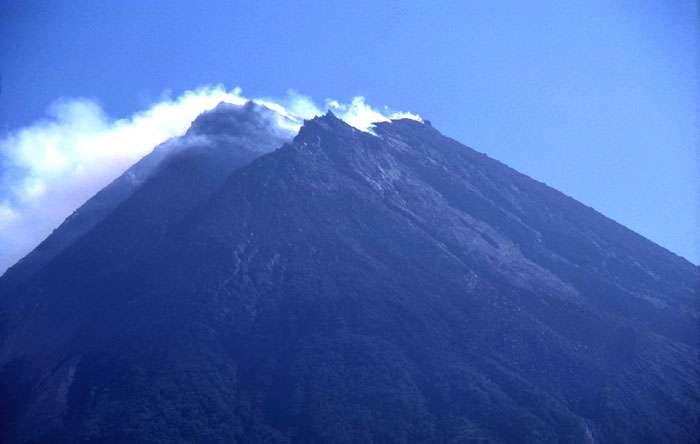 Le dôme du volcan Merapi, en Indonésie