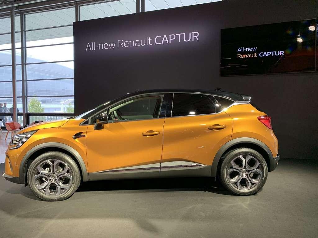 Renault n'a pas de stand officiel au salon de Francfort 2019. Mais le constructeur français y a présenté son Captur hybride E-Tech Plug-in qui sera commercialisé à partir de 2020. © Renault
