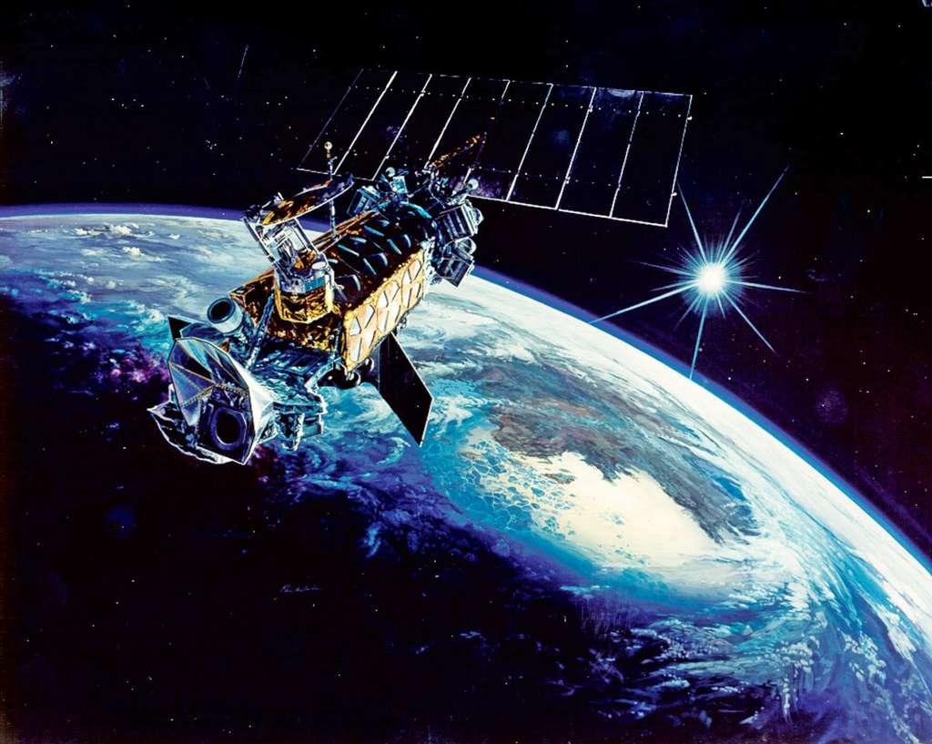 Vue d'artiste d'un satellite militaire de météorologie de la série DMSPF. © USAF