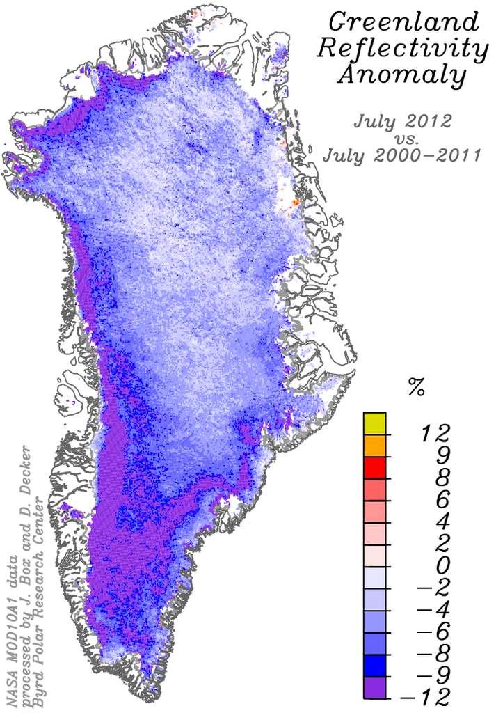 Carte de la baisse de la réflexivité des glaces du Groenland en comparant les observations faites en 2012 par rapport à celles de 2000 à 2011. Cette baisse peut atteindre environ 12 %, comme on le voit sur la partie sud-ouest du Groenland. © Nasa