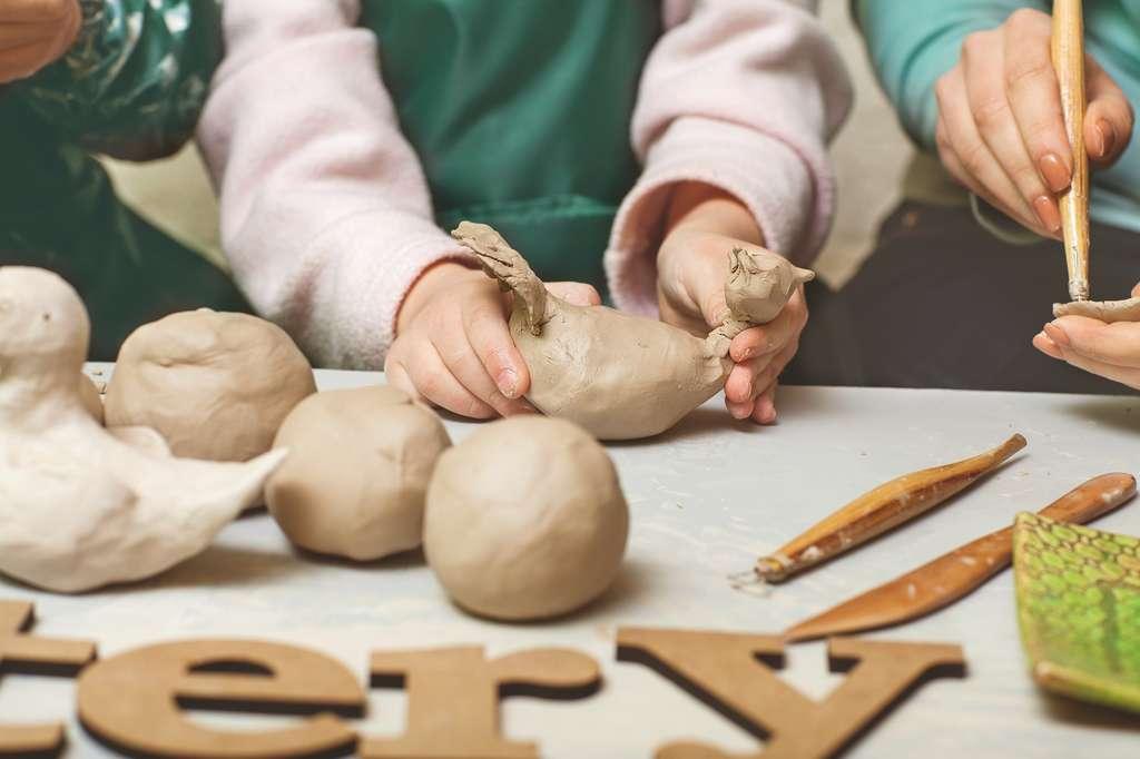Sculpter de l'argile réduirait l'anxiété. © Rock and Wasp, Shutterstock