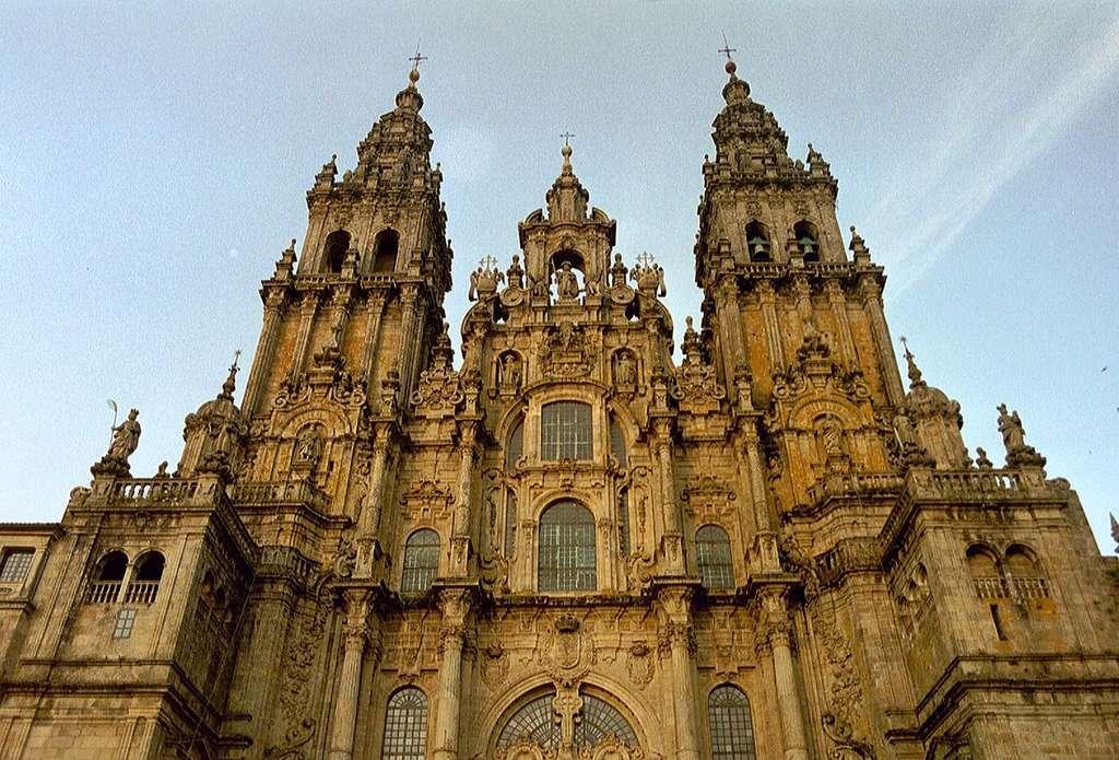 La cathédrale Saint-Jacques-de-Compostelle. On la retrouve sur la face des pièces de 1, 2 et 5 centimes d'euro espagnoles. © NielsB, CC by-sa 3.0