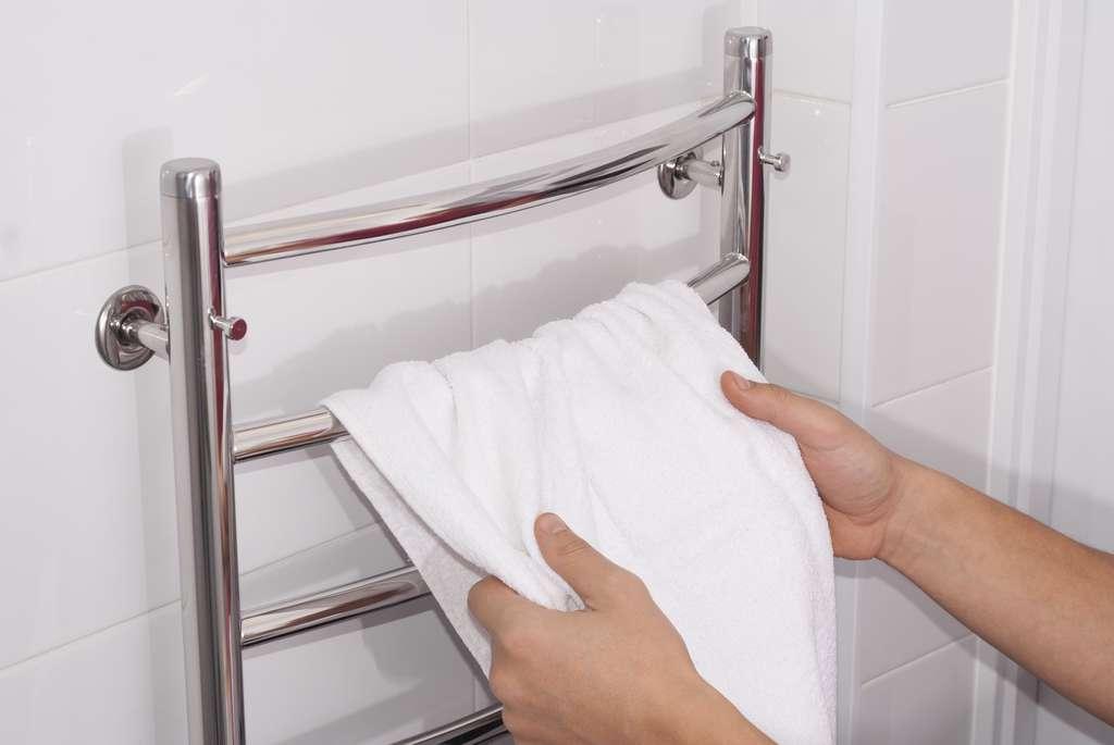 Il existe un vaste choix de sèche-serviettes et de radiateurs électriques. © Kuchina, Adobe Stock