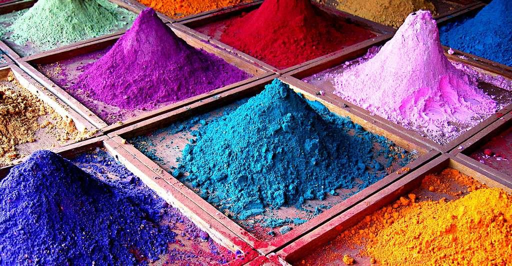 Pigments de différentes couleurs. © Dan Brady, CC BY-NC 2.0