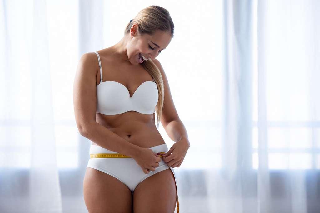 Les brûleurs de graisse sont classés en différentes catégories car leurs différences s'expliquent par les effets qu'ils peuvent avoir sur le corps. © nenetus, Adobe Stock