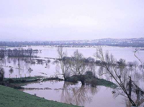Crue de décembre 2003 à Mezel, 63 © CEPA-JS Reproduction interdite sans autorisation de l'auteur