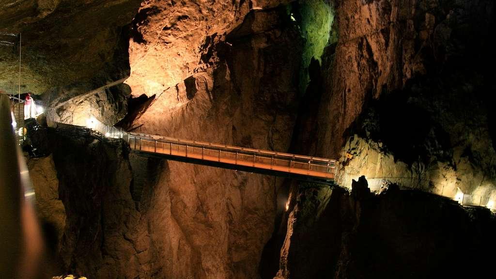 Les grottes de Skocjan creusées par la rivière Reka, en Slovénie