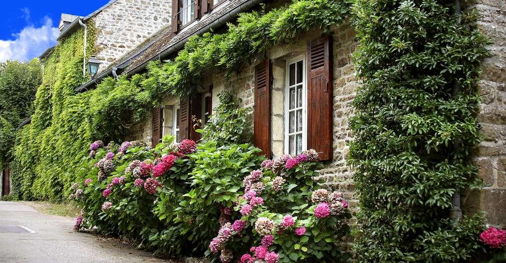 Le village de Saint-Céneri-le-Gérei, dans les Alpes mancelles. © Kotomi, Flickr, CC by-na 2.0