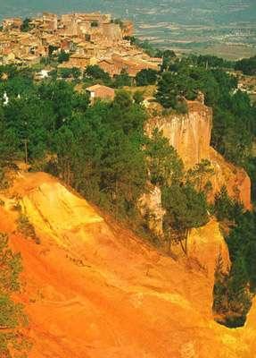 Roussillon, terres jaunes. © DR