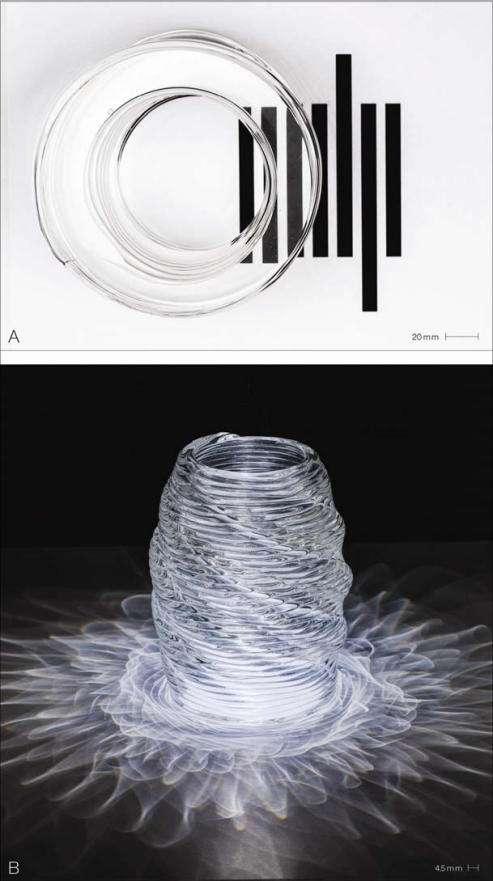 Ces exemples d'objets 3D réalisés avec l'imprimante du MIT illustrent le niveau de transparence et les propriétés optiques qu'il est possible d'obtenir avec cette technique d'impression 3D. Voilà qui ouvre de très nombreuses possibilités en matière de design. © MIT Media Lab
