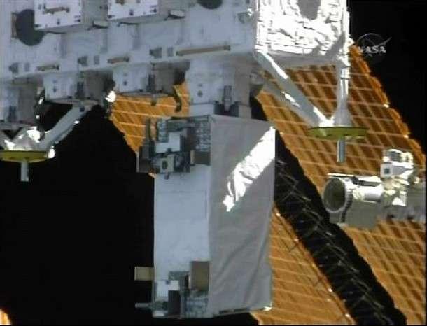 L'instrument Maxi (au centre de l'image) juste après sa fixation au module japonais Kibo, lors de la mission STS-127. © Nasa TV