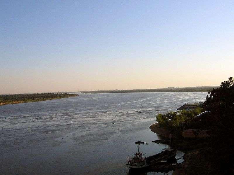 Le fleuve Paraguay irrigue la zone du Pantanal. © llosuna, Wikipédia, cc by 1.0