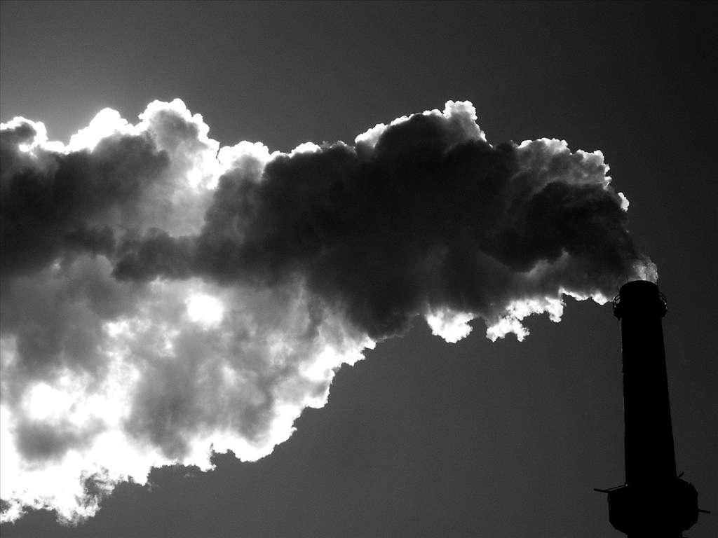 Plusieurs milliers de tonnes de mercure sont libérées dans l'atmosphère chaque année. Ce métal polluant augmenterait le risque d'autisme. © Señor Codo, cc by sa 2.0
