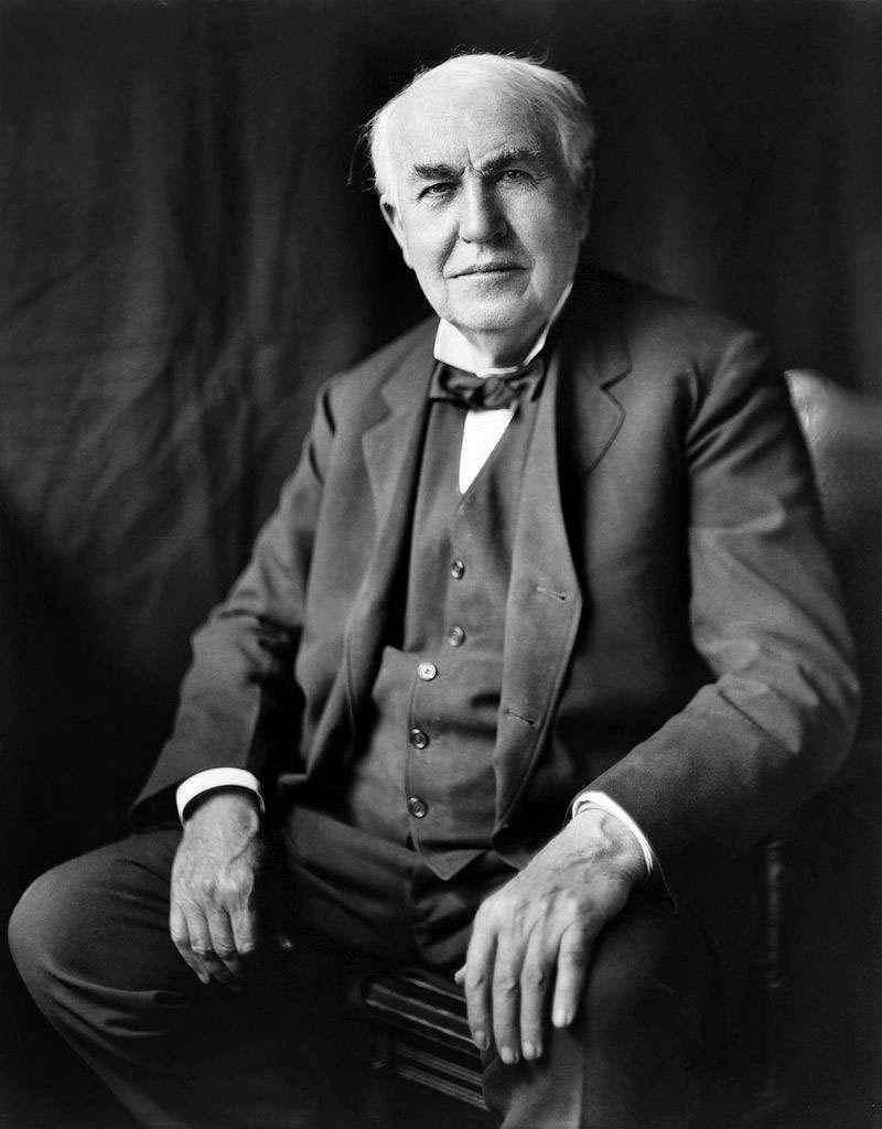 Thomas Edison, un inventeur américain. © Louis Bachrach Studios, restauré par Michel Vuijlsteke, Domaine public