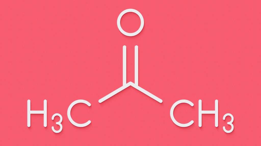 L'acétone est un produit chimique de formule brute C3H6O. © molekuul.be, Fotolia